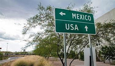 tx-mex border sign sh_486345745